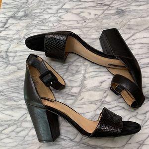 Woman's black chunky heel sandal shoe size 9.5